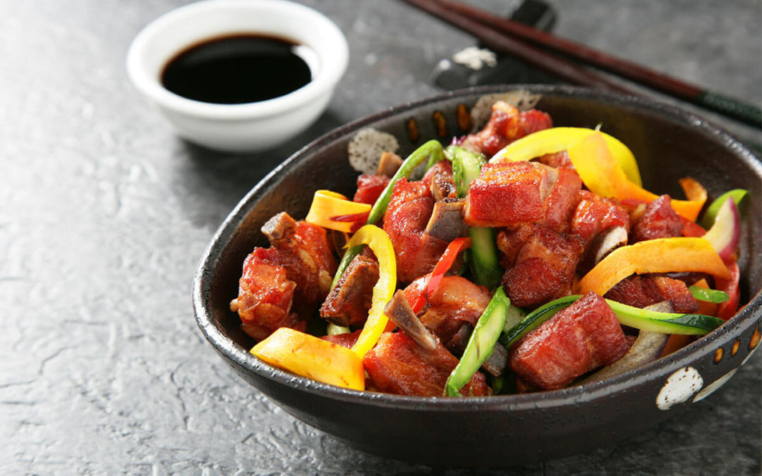 Wok-ban készült bárány zöldségekkel
